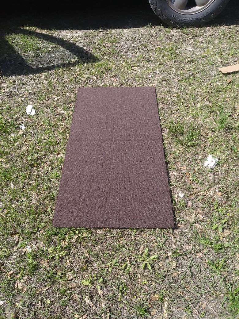 Carpet tile 80 yds. 300