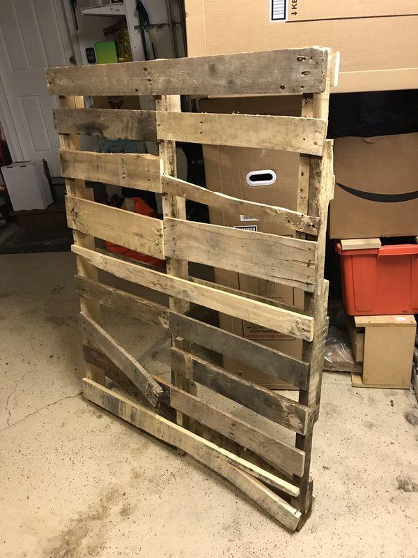 Free Pallet Wood for Sale in Graymoor-Devondale, KY - OfferUp
