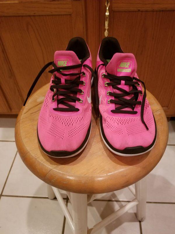 hot sale online 7b902 0fedd Nike Fusia Fitsole Shoe for Sale in West Palm Beach, FL - OfferUp
