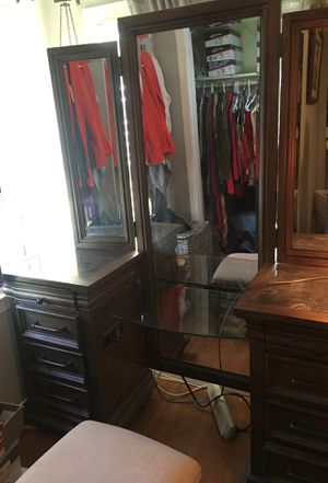 Beautiful Vanity with stool for Sale in Falls Church, VA
