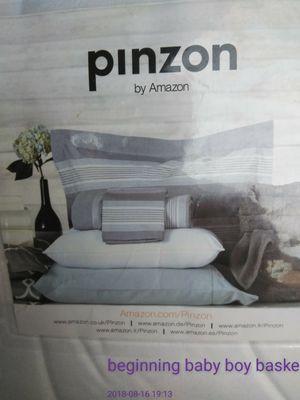Pinzon by Amazon queen mattress pad for Sale in Bakersfield, CA
