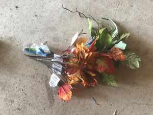 New Fake floral flowers for Sale in Romulus, MI