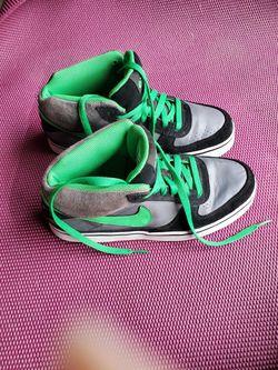 Nike SB low 6.0 Men Sz 6.5 Thumbnail