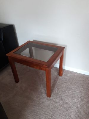 End table for Sale in Gaithersburg, MD