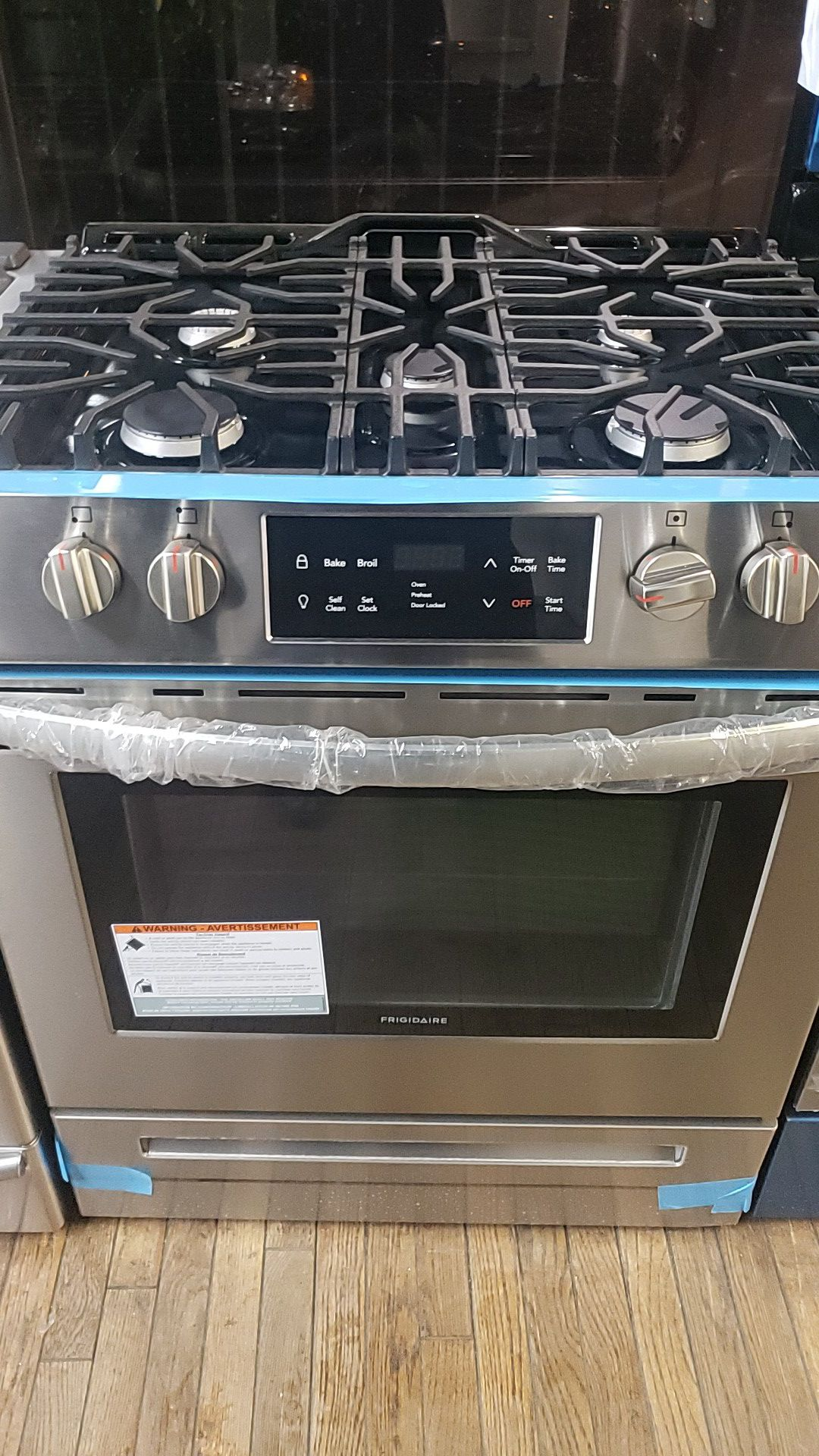 """New Frigidaire Slide in 30"""" in stainless steel with 5 burners"""