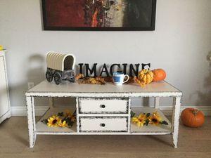 Farmhouse coffee table for Sale in Peoria, AZ