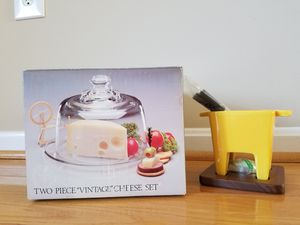 *New* Two piece cheese set and cheese fondue for Sale in Centreville, VA