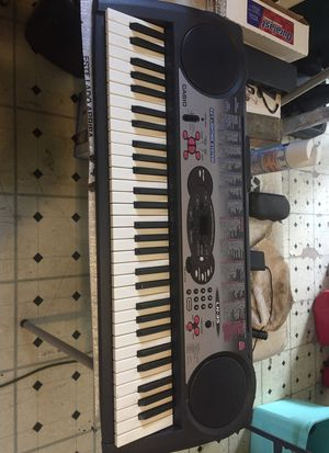 Casio musical keyboard LK 35 with key lighting system for Sale in Orlando, FL