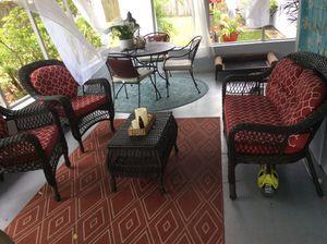 Photo 4 piece wicker seating set