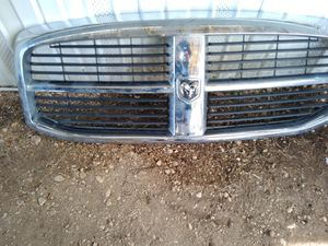 Photo Dodge ram front grill
