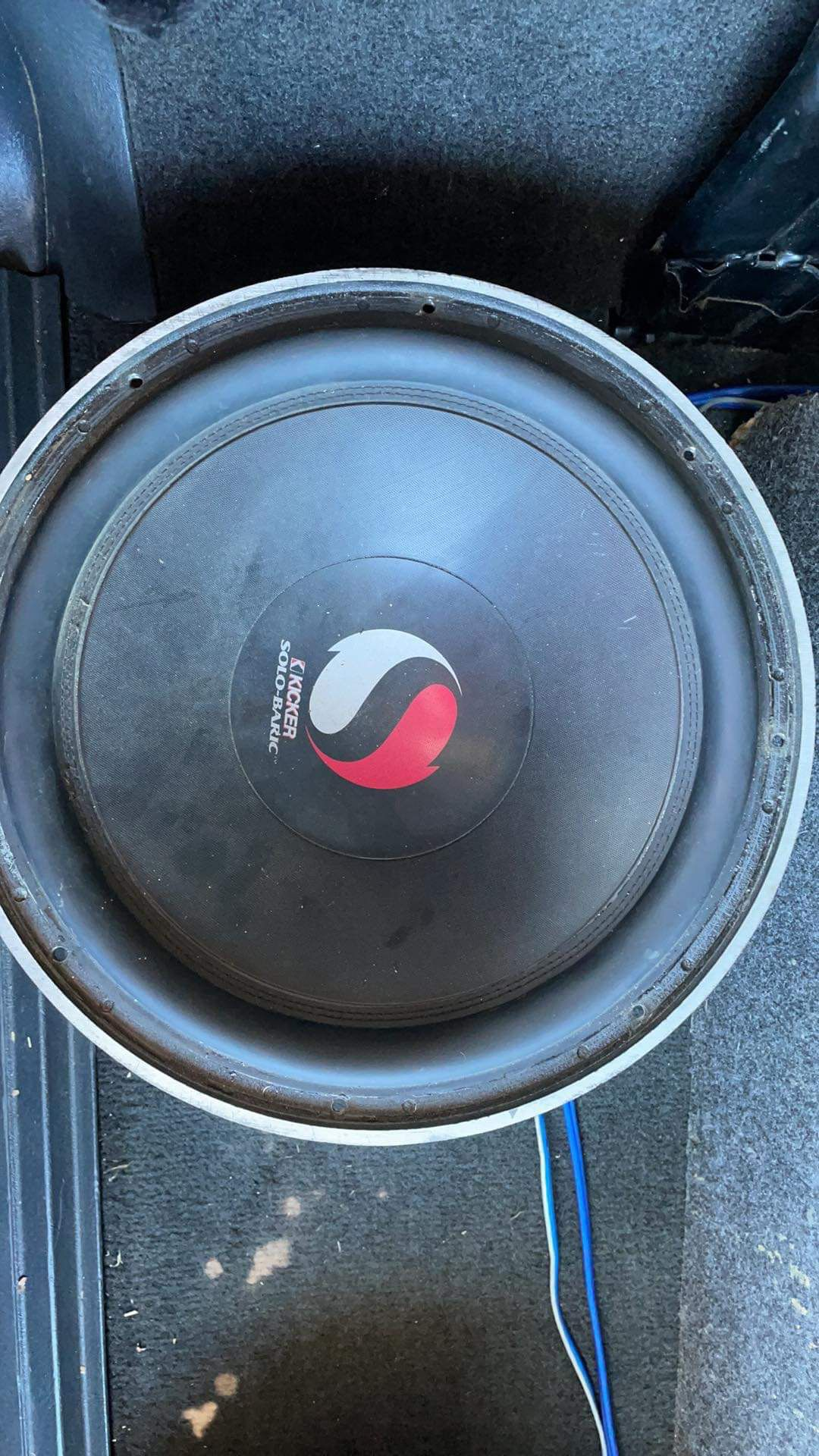 Solo Baric 12  With A 400.1 kicker Amp
