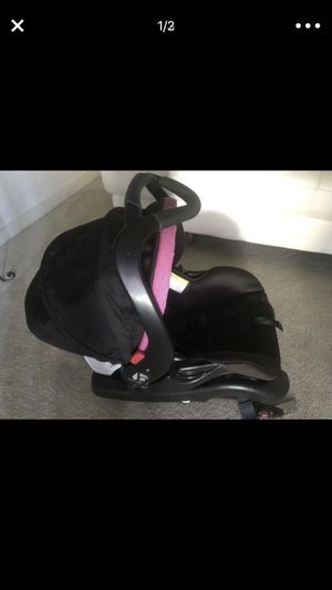 Barely used infant car seat and stroller set!!! for Sale in Manassas, VA