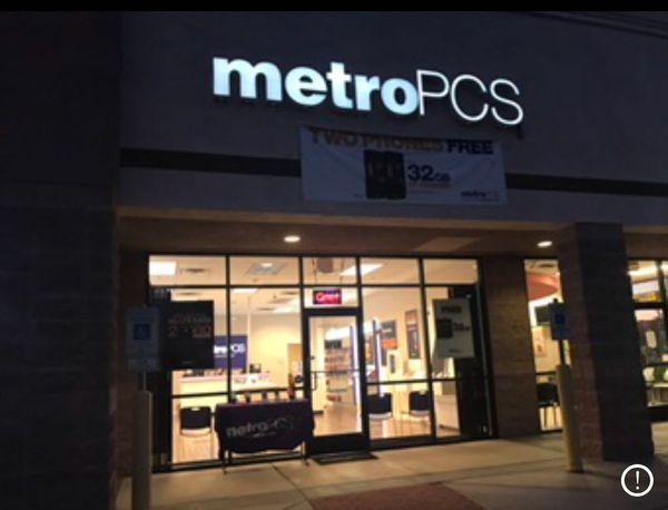 Metro PCS Store for sale!! for Sale in Phoenix, AZ - OfferUp