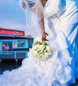 Beautiful Wedding Dress!! for Sale in Baltimore, MD