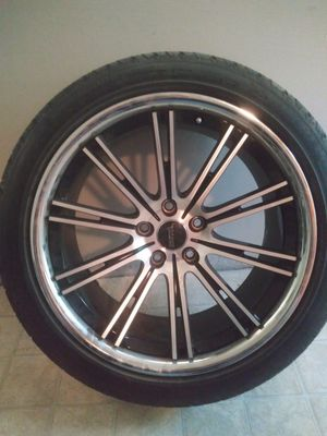 Photo 20inch Savini Black Rims and Tires