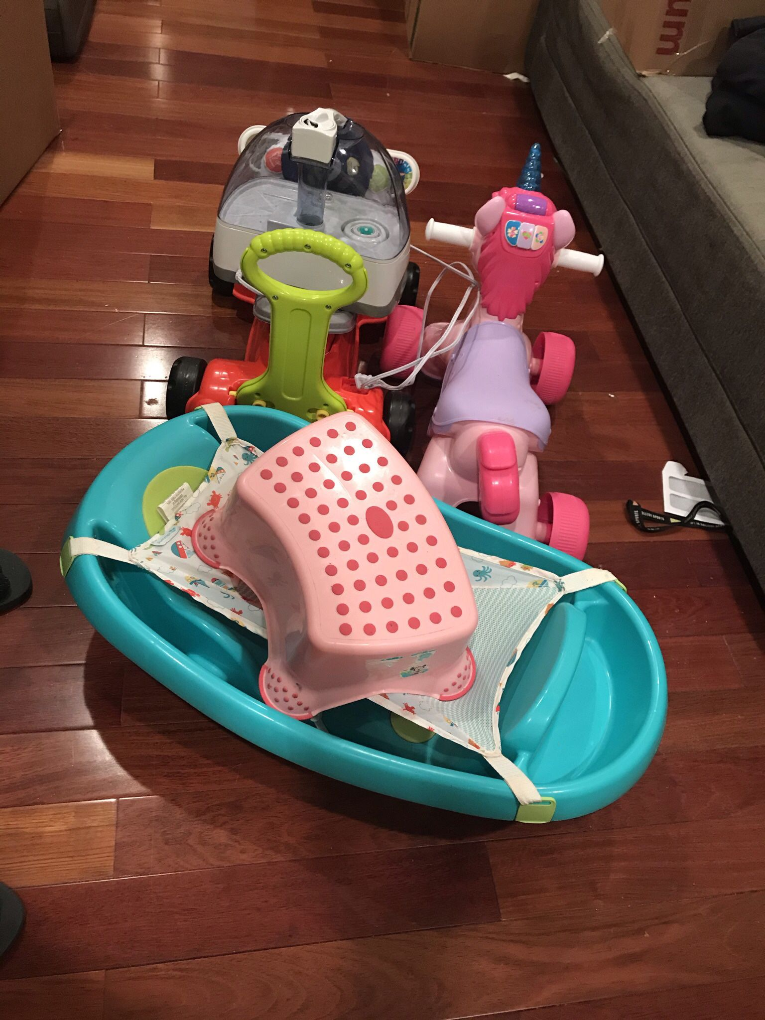 Baby Toys, Bathtub And Breast Pump For Free