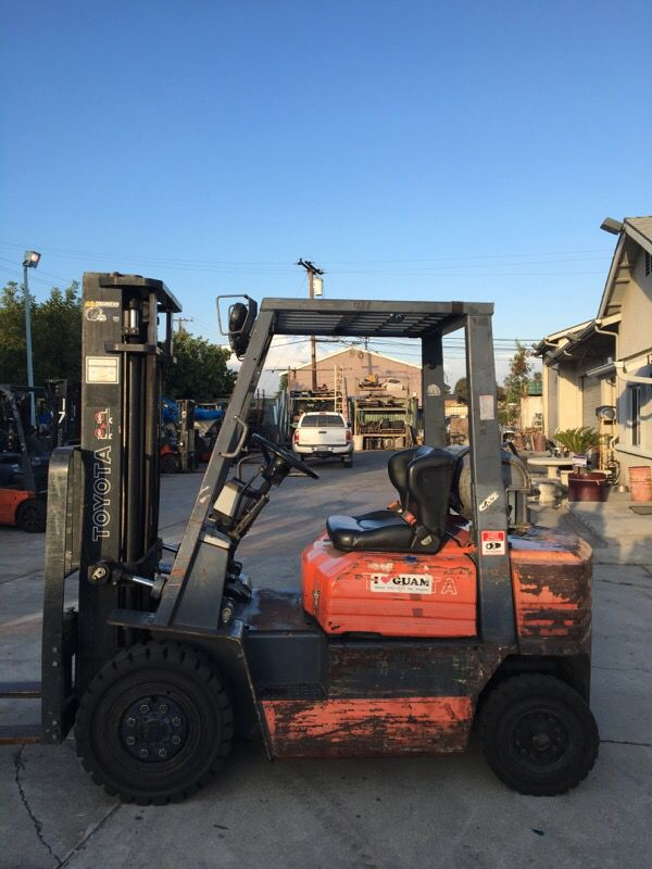 Toyota pneumatic forklift for Sale in Ontario, CA - OfferUp