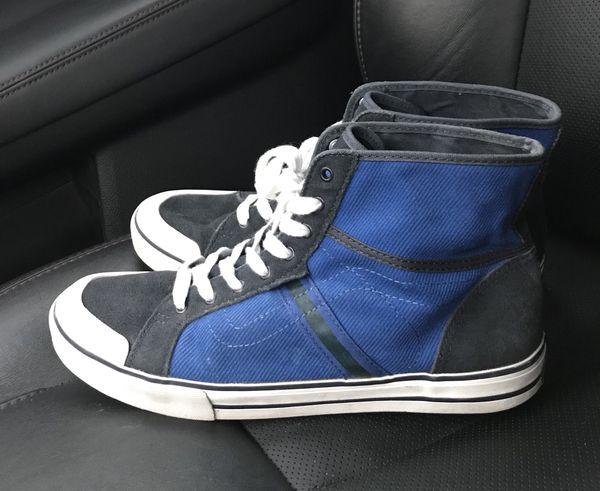 103055afb2 Women s High Top Wellesley Vans Sneakers Sz 10.5 for Sale in ...