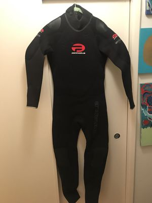 Brand New Pinnacle wetsuit for Sale in Los Angeles, CA