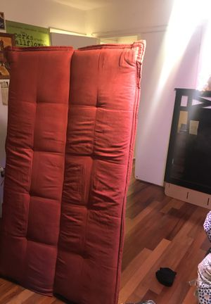 BEAUTIFUL RED FUTON for Sale in Milford Mill, MD