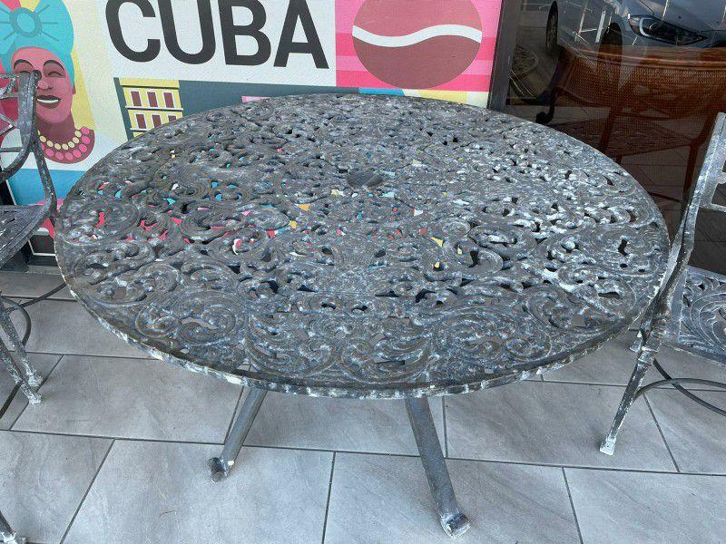 Mesa Metalica Para Terrasa - $180