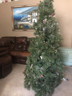 6 Ft Christmas Tree $30 Thumbnail