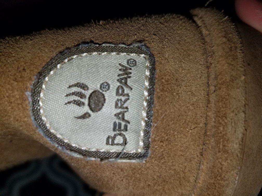 Woman Bearpaws boots