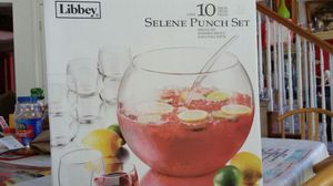 Nice 10 pieces selene punch set totally new never used for Sale in Clinton, MD