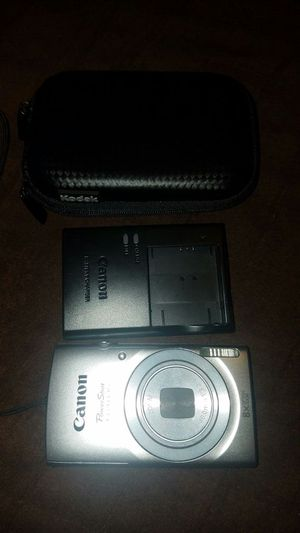 Canon, 16 megapixel cam with rechargeable battery and charger for Sale in Columbus, OH