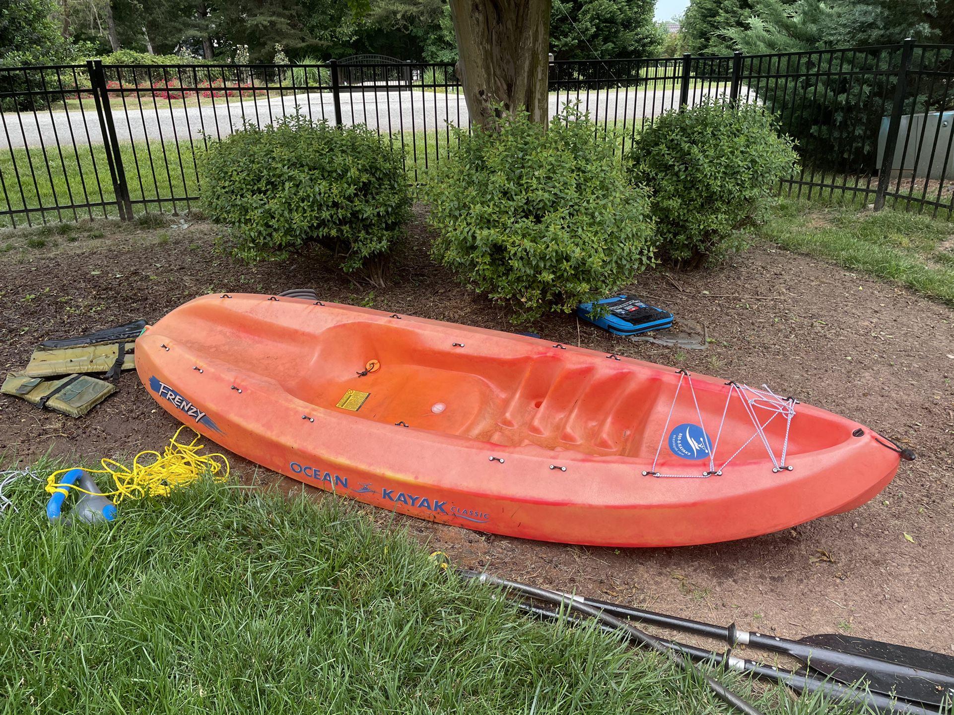 Photo ocean kayak frenzy
