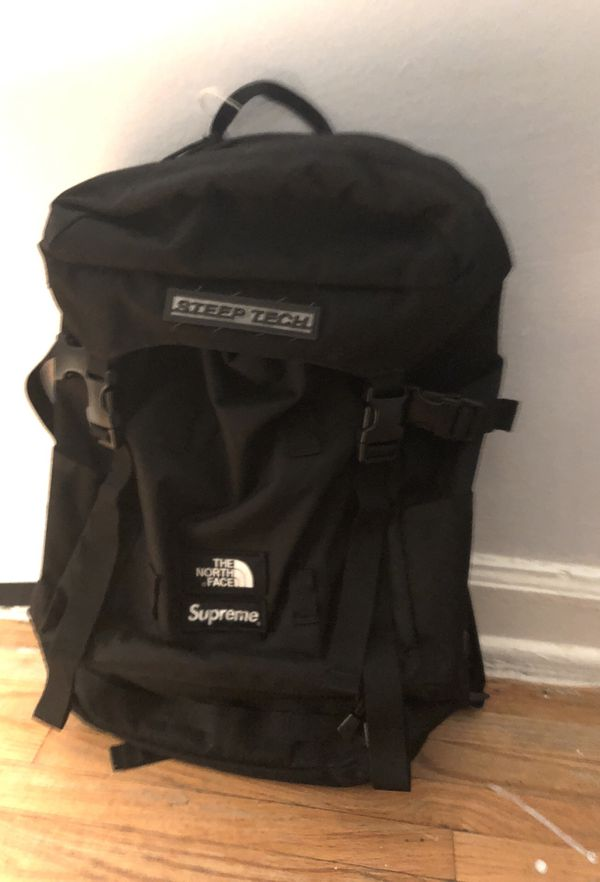 d892c9d26ea Supreme X the north face backpack for Sale in Queens, NY - OfferUp
