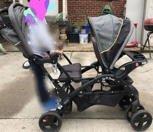 Baby sit and stand stroller for Sale in UNIVERSITY PA, MD