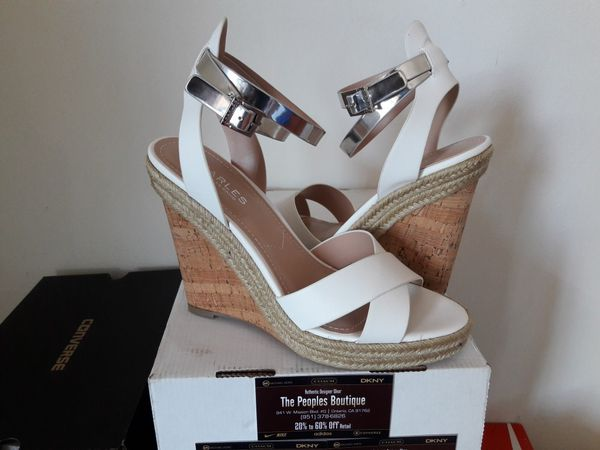 80fa8f3164779d Charles by Charles Jordan leather wedges size 9 (Clothing   Shoes) in Vernon