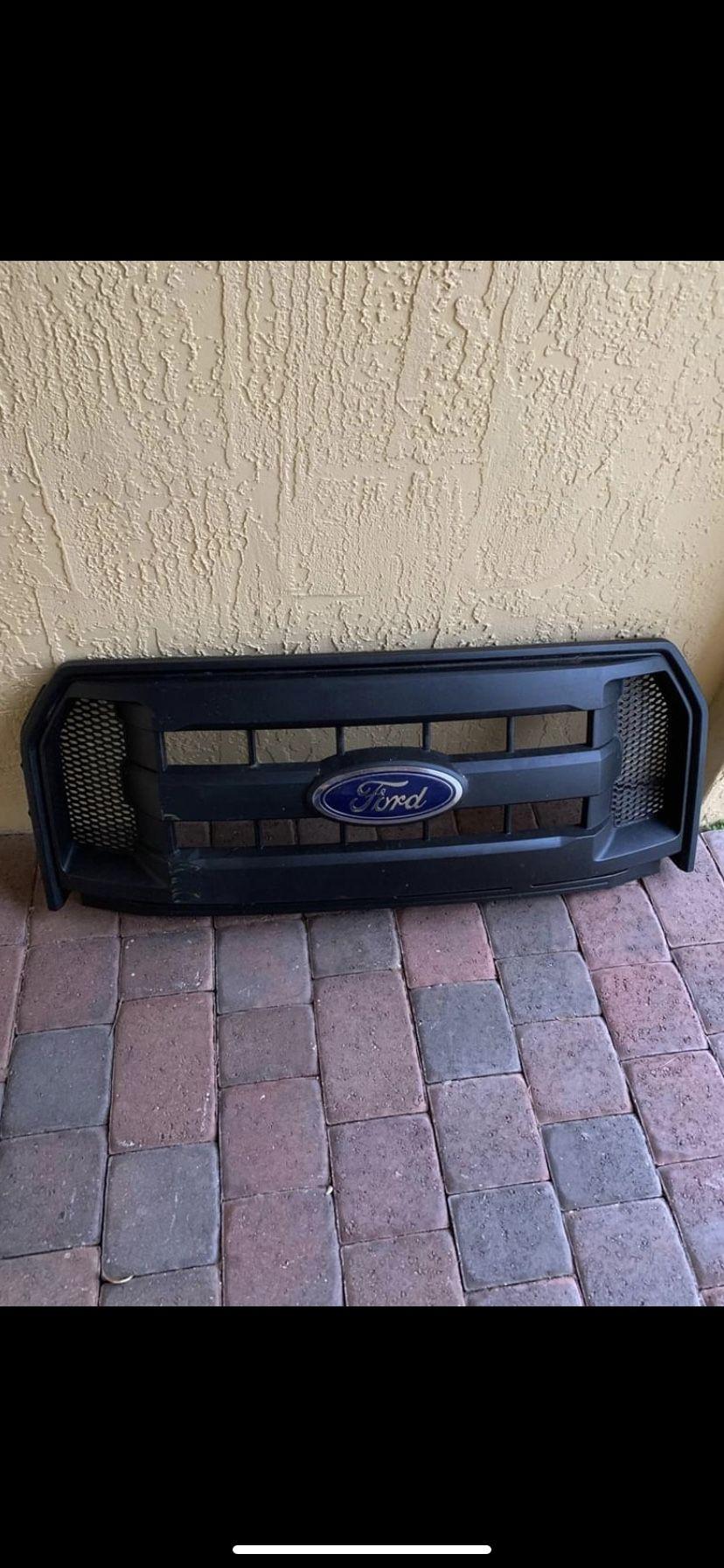 Se vende Ford 2015