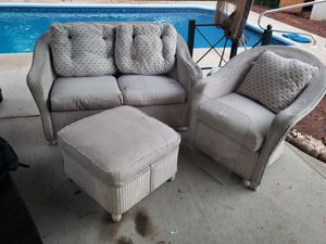 Cream Wicker patio set for Sale in Manassas, VA