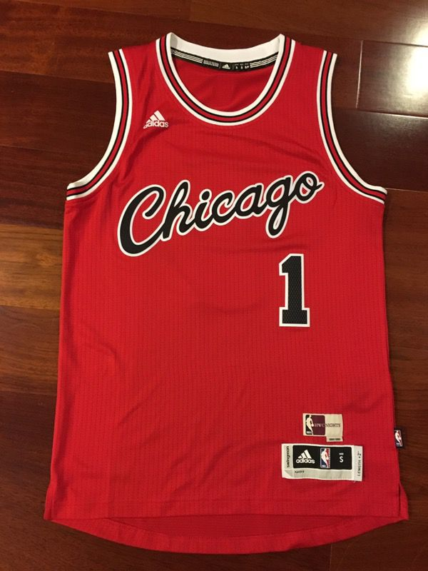 brand new 588d4 221bc Derrick Rose Hardwood Classics Jersey for Sale in Torrance, CA - OfferUp