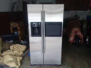 Photo Ge profile stainless steel refrigerator