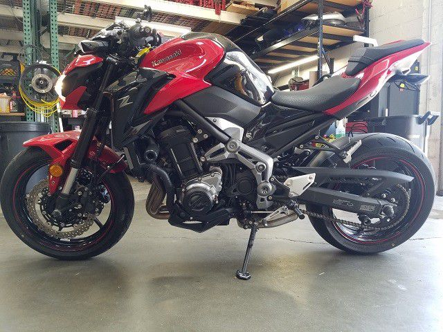 2018 KAWASAKI ZR900 ABS  Clean Title Motorcycle 1,939 MILES