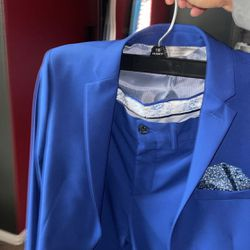 Prom Suit ONLY WORN ONCE  Thumbnail