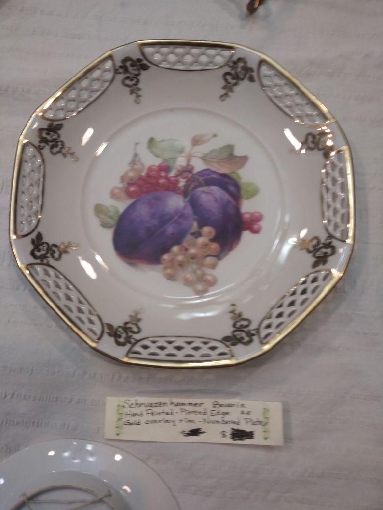 Collectible China, Bone China, and Porcelain dishes diff prices! No price is final!