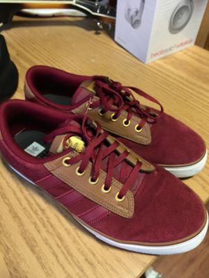611495662 Kiel adidas men 9.5 like new for Sale in Lynchburg