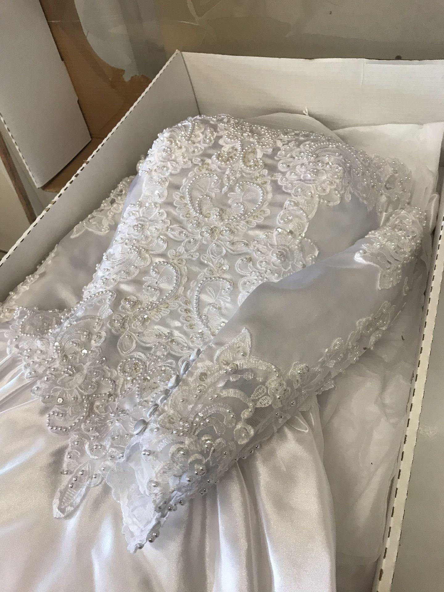 David's bridal wedding gown