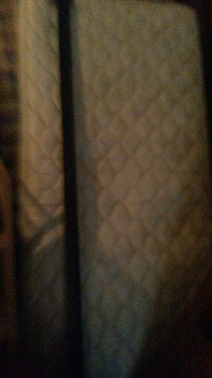 Like new twin mattress and box spring for Sale in Silver Spring, MD