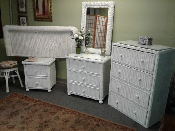 Beautiful 5 piece full size white wicker bedroom set for ...