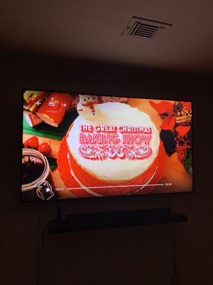 Great Condition LG Smart 3D UHD 4K LED 75 inch TV for Sale in McLean, VA