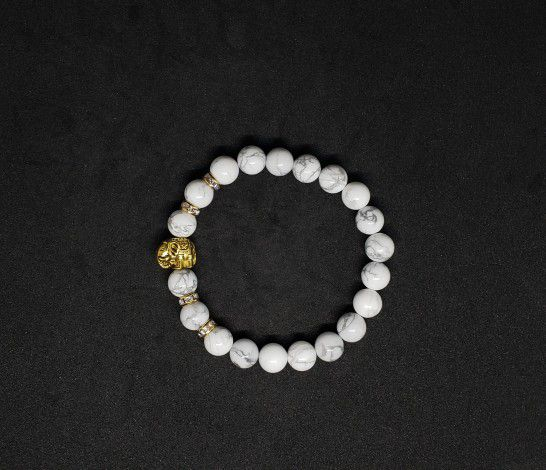 *.NATURAL Charged Howlite Bracelet (Known For:   reduce stress, anger, pain & depression)