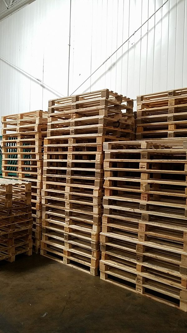 Wood pallets for sale for Sale in Schaumburg, IL - OfferUp