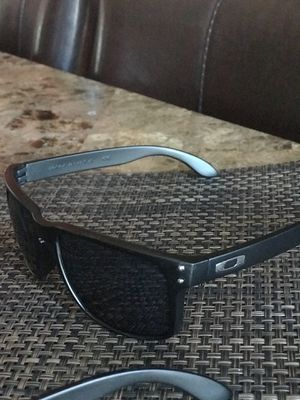 cfbe425bad1 Sunglasses for sale Oakley for Sale in Turlock