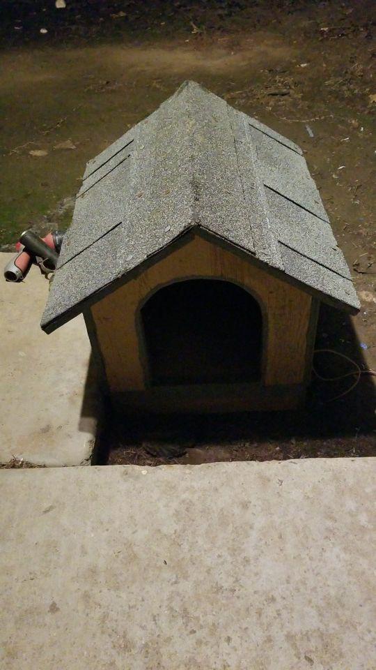 Mini doghouse