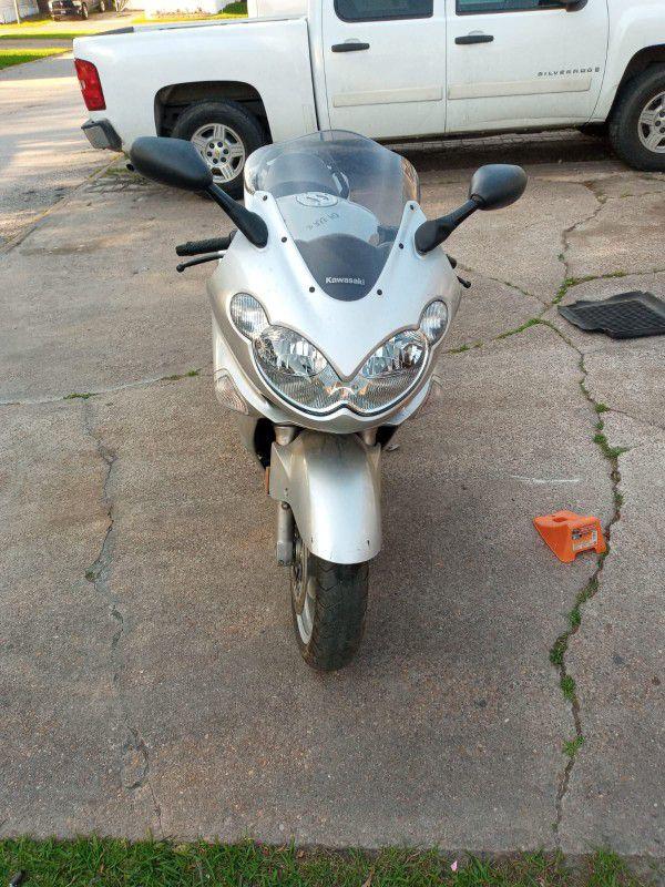 Kawasaki ninja. Zzr 1200